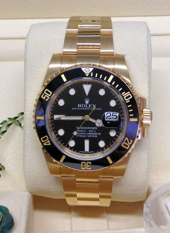 Rolex replica Submariner Date 116618LN Yellow Gold5
