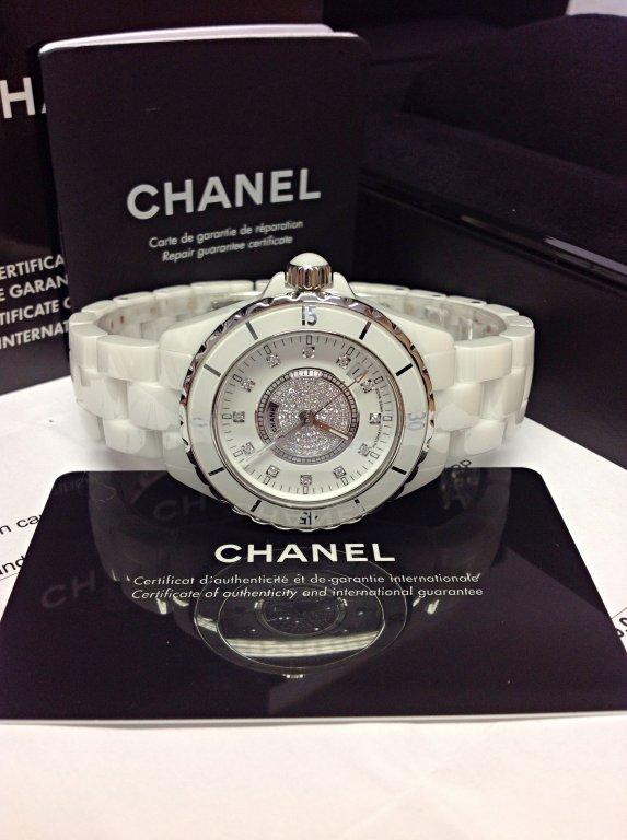 Chanel-replica-J12-H1759-White-Ceramic-Ladies3.jpg