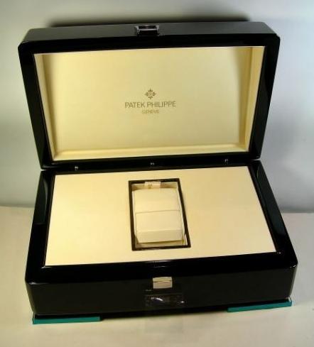 patek-philippe-scatola-box3.png